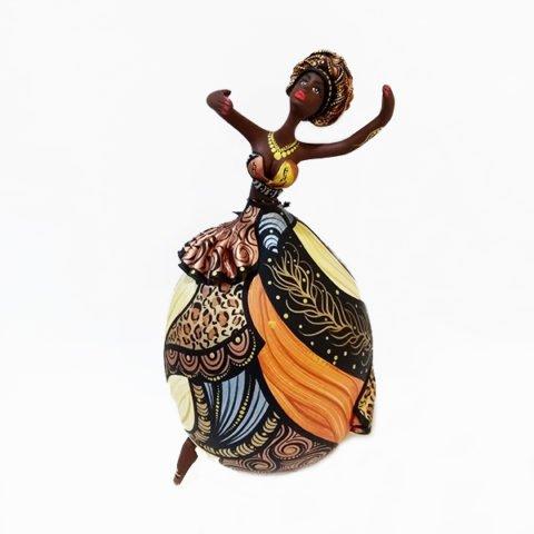 Bailarina feita em Cabaça Bapi com Swaroviskis