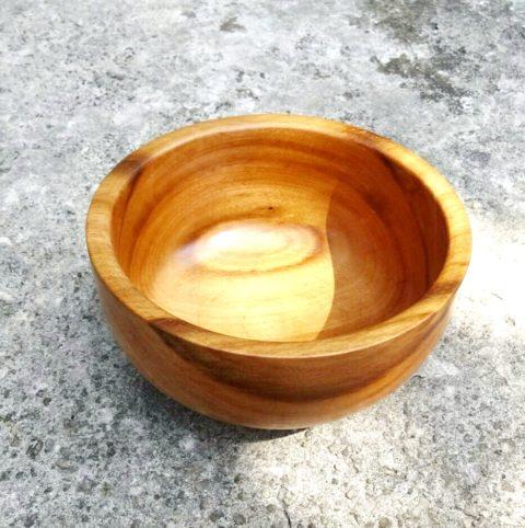 tigela de madeira pequena