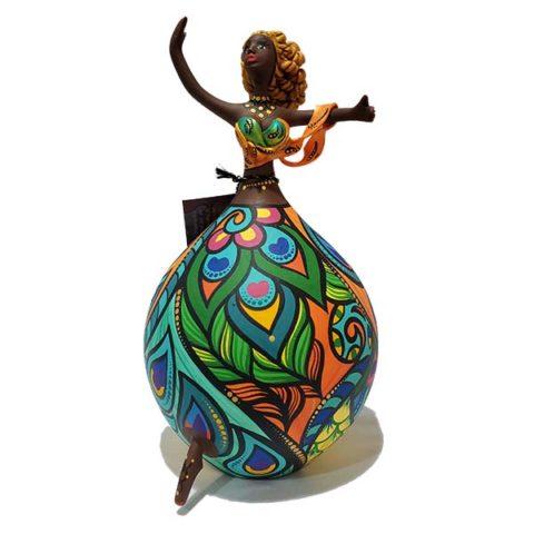 Bailarina Criada em Cabaça Bapi