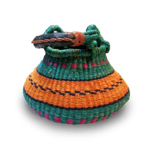 cesto multicolorido africano